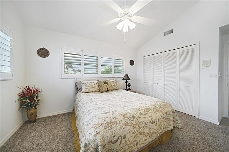 220 MOCKINGBIRD LN, ENGLEWOOD, FL, 34223 MLS #OM606187