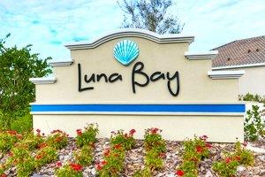 Luna Bay